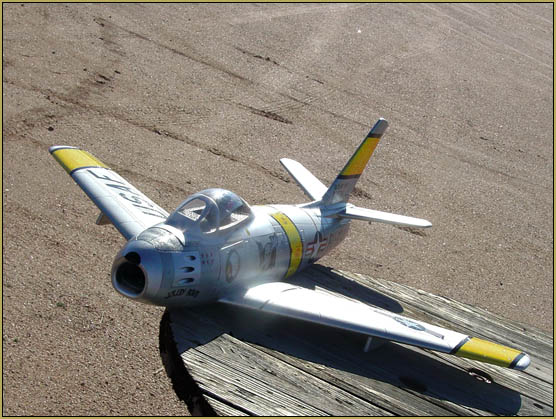 My clear gloss painted F-86 is very photogenic!